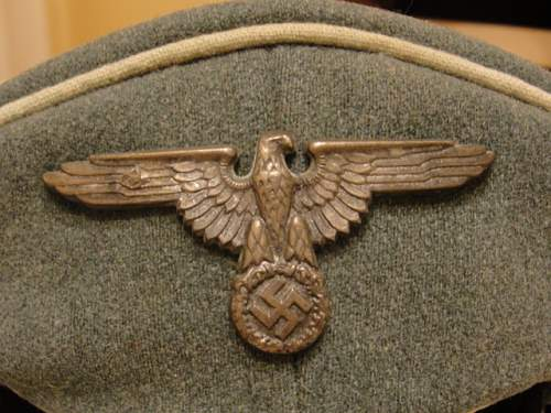 Click image for larger version.  Name:WAFFEN SS OFFICERS CAP 002.jpg Views:38 Size:145.7 KB ID:132354