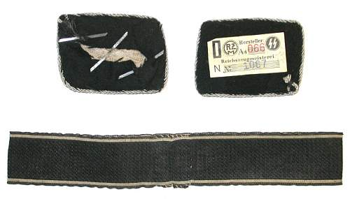 Click image for larger version.  Name:auct ss badges ah cuff back.jpg Views:136 Size:85.1 KB ID:139764
