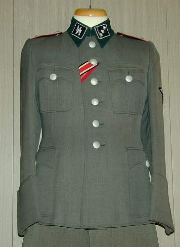 Click image for larger version.  Name:Waffen SS tunic set (1).jpg Views:289 Size:149.7 KB ID:149964