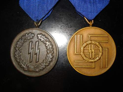 Click image for larger version.  Name:ss medals1.jpg Views:90 Size:183.0 KB ID:150937