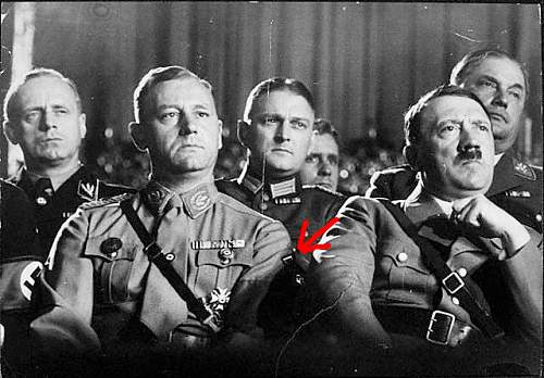 Click image for larger version.  Name:Hitler_325.jpg Views:68 Size:182.0 KB ID:153843