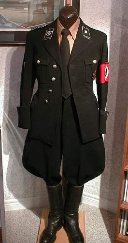 SS Allgemeine Parade Dress Lt. Colonel Comments original or ? and maybe value?
