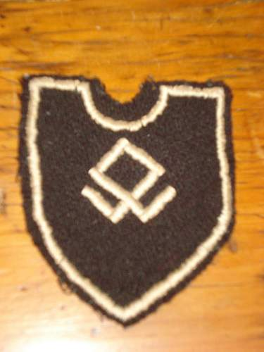 SS foreign division patch. Good or fake?