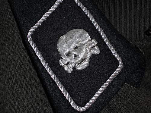 Click image for larger version.  Name:Totenkopf insignia.jpg Views:386 Size:184.9 KB ID:177117