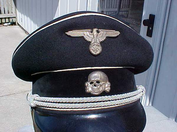 Click image for larger version.  Name:officers' cap in Midwest, 143 Hersteller.jpg Views:179 Size:37.5 KB ID:18225