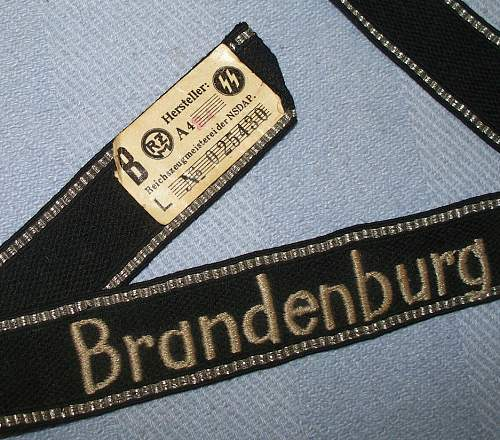 Click image for larger version.  Name:auction SS CUFF BRANDENBURG 3.jpg Views:517 Size:130.1 KB ID:184532