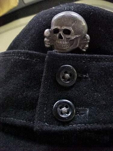 SS Panzer Einheitsfeldmutze with metal insignia