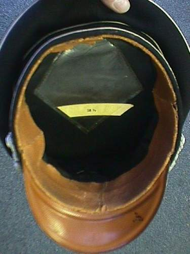 Click image for larger version.  Name:black officer's cap  interior.jpg Views:118 Size:62.7 KB ID:187081