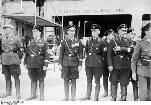 Click image for larger version.  Name:Bundesarchiv_Bild_102-02486,_Berlin,_Prinz_Waldeck_im_Deutschen_Stadion.jpg Views:142 Size:70.5 KB ID:191150