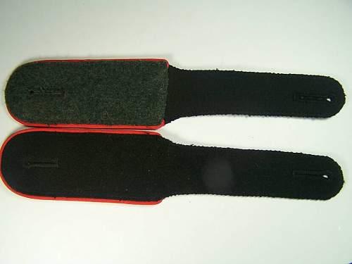 MInt artillery Waffen SS shoulder straps
