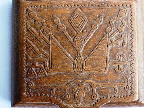 Cigarette case - oak - SS POW art?