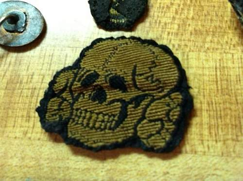 SS Officer COLLAR TABS, SKULL, EAGLE---any opinions/info out there?