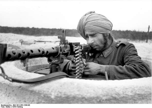 Click image for larger version.  Name:Bundesarchiv_Bild_101I-263-1580-06%2C_Atlantikwall%2C_Soldat_der_Legion_%22Freies_Indien%22.jpg Views:498 Size:49.1 KB ID:20994