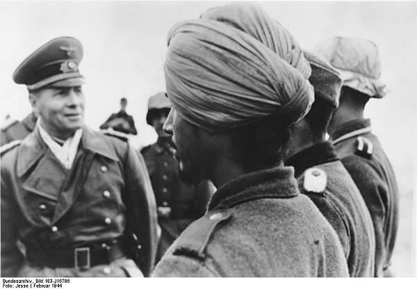 Click image for larger version.  Name:Bundesarchiv_Bild_183-J16796%2C_Rommel_mit_Soldaten_der_Legion_%22Freies_Indien%22.jpg Views:2931 Size:47.3 KB ID:20996