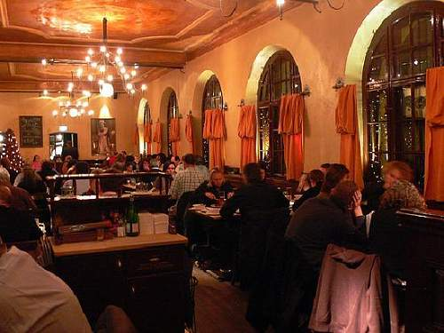 Click image for larger version.  Name:haxnbauer-restaurant.jpg Views:34 Size:43.7 KB ID:211373