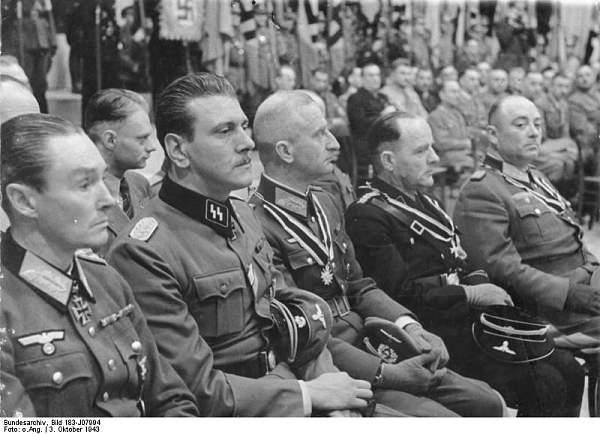 Click image for larger version.  Name:Bundesarchiv_Bild_183-J07994,_Berlin,_Skorzeny,_Reinhardt,_Zschirnt,_Körner.jpg Views:402 Size:67.9 KB ID:21406