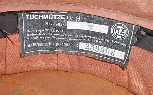 Tuchmuetze fuer SS:  variations on a theme
