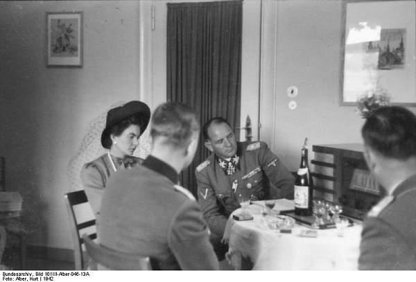 Click image for larger version.  Name:Bundesarchiv_Bild_101III-Alber-046-13A,_Berlin,_Sepp_Dietrich_mit_Ehefrau.jpg Views:745 Size:40.3 KB ID:21661