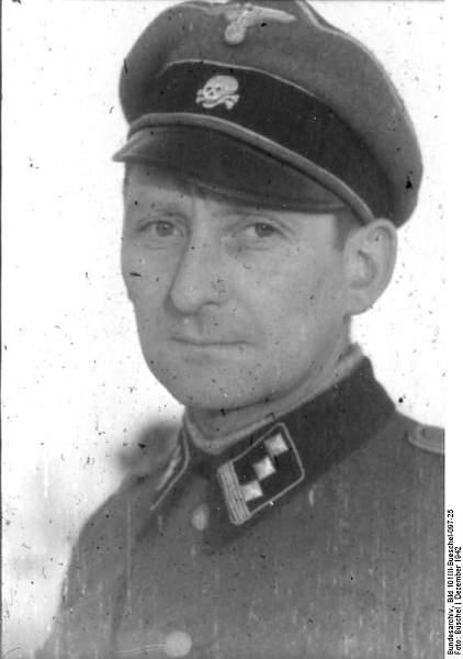 Click image for larger version.  Name:Bundesarchiv_Bild_101III-Bueschel-097-25,_Hans-Georg_von_Charpentier.jpg Views:1021 Size:38.3 KB ID:21662