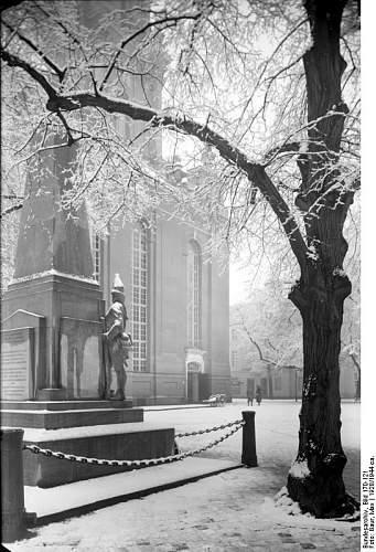 Click image for larger version.  Name:Bundesarchiv_Bild_170-121,_Potsdam,_Garnisonkirche.jpg Views:220 Size:86.6 KB ID:218960