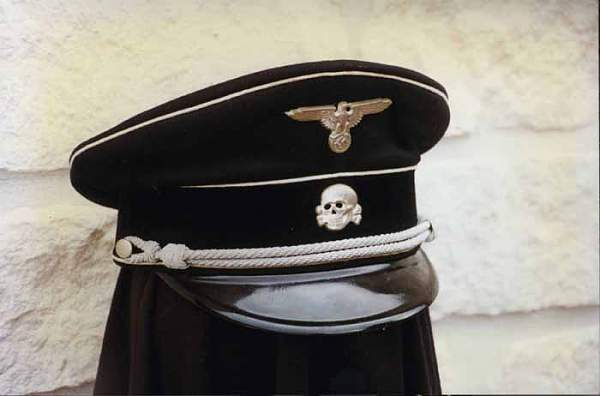 Click image for larger version.  Name:7. Stamm Tunic Officer Cap.jpg Views:73 Size:24.3 KB ID:23629