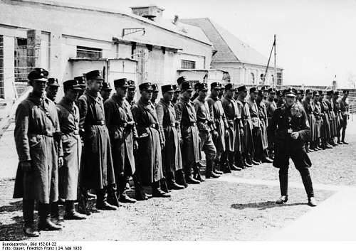 Click image for larger version.  Name:Bundesarchiv_Bild_152-01-22%2C_Dachau%2C_Konzentrationslager.jpg Views:3383 Size:77.6 KB ID:25429