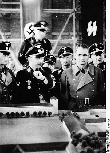 Click image for larger version.  Name:429px-Bundesarchiv_Bild_152-08-35%2C_Dachau%2C_Konzentrationslager%2C_Besuch_Himmlers.jpg Views:2292 Size:55.4 KB ID:25432