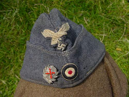Click image for larger version.  Name:Lufwaffe cap and Walloon Guards badge..jpg Views:386 Size:262.0 KB ID:256491