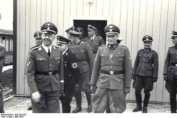 Click image for larger version.  Name:Bundesarchiv_Bild_192-352,_KZ_Mauthausen,_Himmlervisite.jpg Views:8947 Size:63.9 KB ID:25696