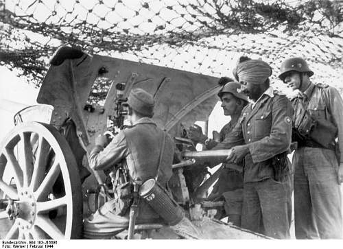 Click image for larger version.  Name:Indian gunners during live firing on surface targets.jpg Views:165 Size:78.2 KB ID:257746