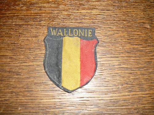 WALLONIE BADGE 'Opinions""