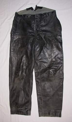 Click image for larger version.  Name:Pantalon cuir (1).JPG Views:149 Size:145.2 KB ID:284210