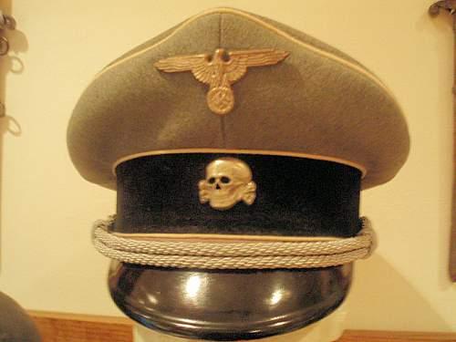 Click image for larger version.  Name:SS OFFICER VISOR CAP 001.jpg Views:86 Size:89.9 KB ID:298129