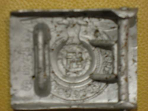 New pics of things found on battlefield with metal detector.
