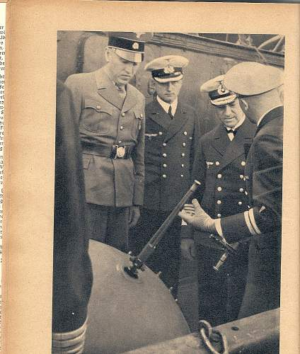 Click image for larger version.  Name:SS vizor on a SA uniform.jpg Views:1500 Size:232.1 KB ID:30125