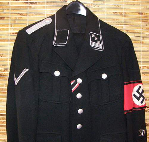 Black SD uniform.
