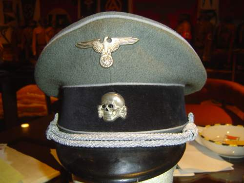 Click image for larger version.  Name:Visor hat for  Officer on the Staff of the Reichsfuhrer SS 002.jpg Views:80 Size:142.1 KB ID:32917