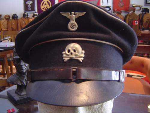 Click image for larger version.  Name:two early SS-VT NCO visor caps 008.jpg Views:48 Size:146.0 KB ID:32931