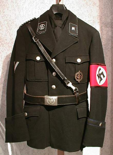 Click image for larger version.  Name:Hagen tunic wirth Koppel usw..jpg Views:40 Size:53.6 KB ID:357852