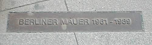 Click image for larger version.  Name:Potsdamer_Platz_Mauer.jpg Views:17 Size:35.7 KB ID:372073