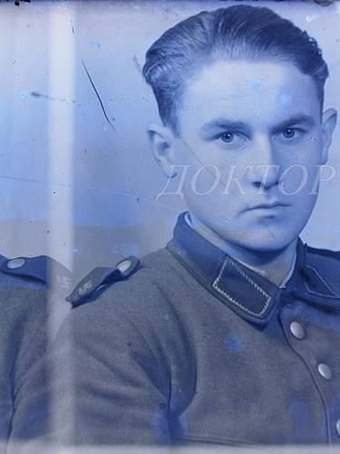 Click image for larger version.  Name:Latvian schuma low swastika shoulderboards B.JPG Views:233 Size:240.3 KB ID:387332