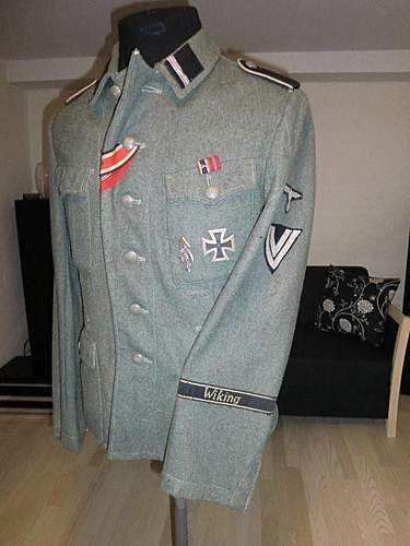 W-SS Wiking M42 tunic with insignia
