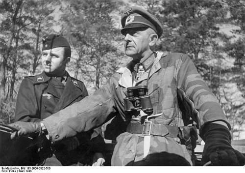 Click image for larger version.  Name:Bundesarchiv_Bild_183-2006-0822-500,_Gotenhafen,_Generalleutnant_Karl_Mauss.jpg Views:139 Size:69.2 KB ID:413047