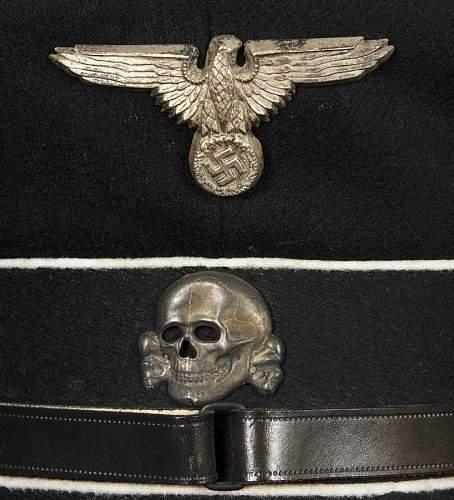 Help on Black SS officers visor