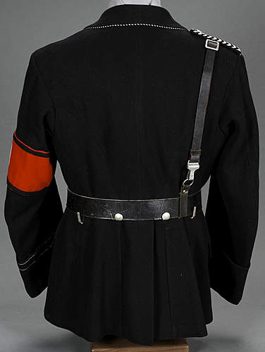 Black tunic to be checked