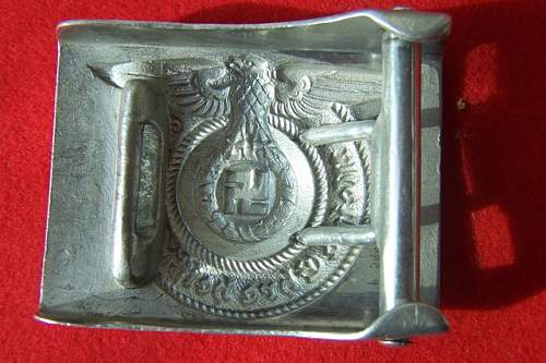 Click image for larger version.  Name:buckle waffen ss 003.jpg Views:157 Size:99.9 KB ID:4370