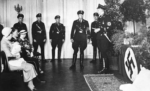 Click image for larger version.  Name:Bundesarchiv'Verein_Lebensborn',_Taufe.jpg Views:151 Size:48.5 KB ID:450948