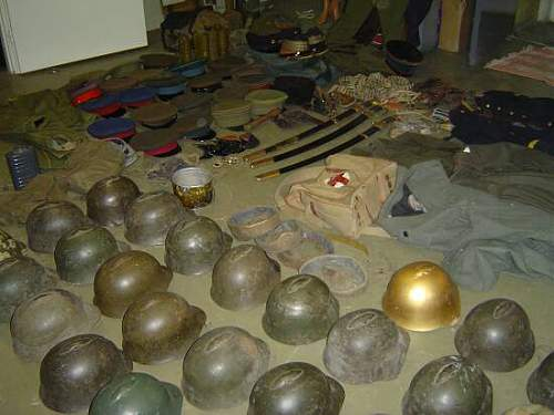 Click image for larger version.  Name:2995d1199665834-helmets-headgear-uniforms-theater-catch-theatre.jpg Views:153 Size:33.2 KB ID:451464