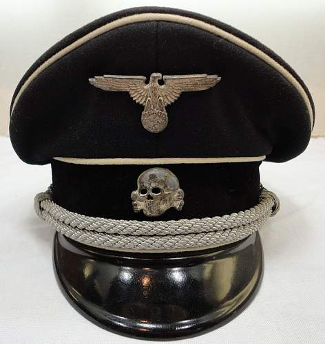 SS visor hat-early insignia,late hat