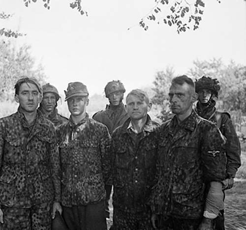 Click image for larger version.  Name:643px-Waffen_SS_snipers.jpg Views:1758 Size:54.1 KB ID:46400
